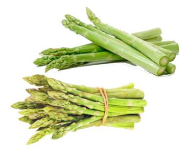 Esparragos verdes en manojo y esparragos verdes gordos sueltos